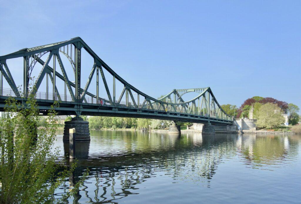 Glienicker Brücke zwischen Potsdam und Berlin