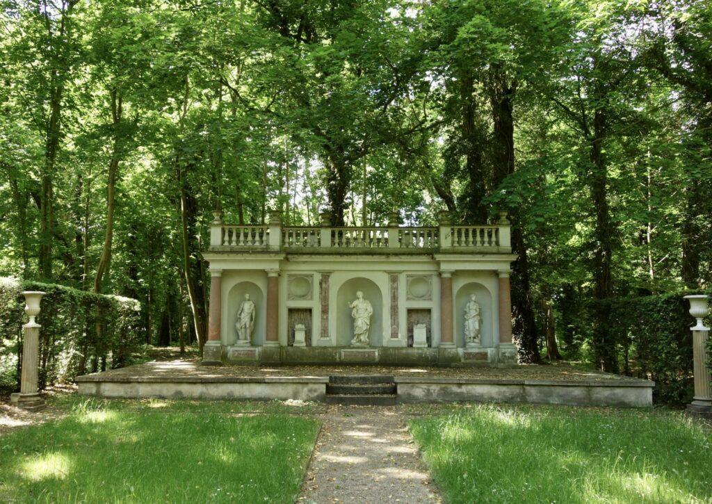 Italienischer Garten im Park in Blankensee