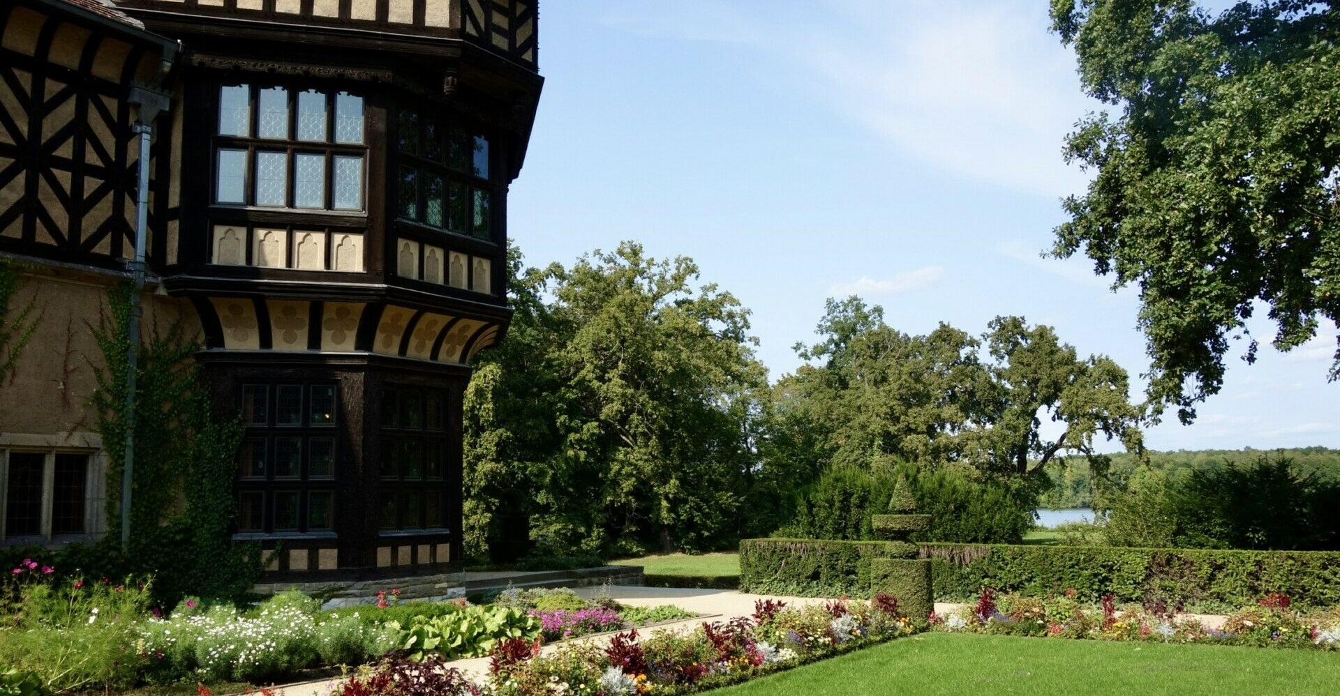 Potsdam. Der Neue Garten, vom schwarzen Adler zum roten Stern.