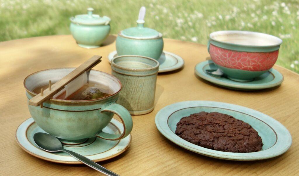 Teatime aus grünem Geschirr in Glashütte