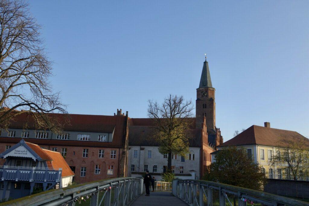 Brandenburg Dominsel von der Brücke aus gesehen