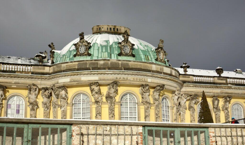 Schloß Sanssouci im Winter