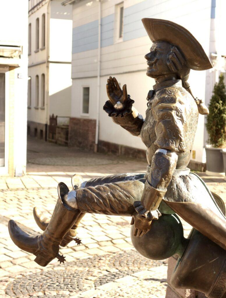 Bodenwerder. Baron von Münchhausen und ein Rundgang durch die Stadt.