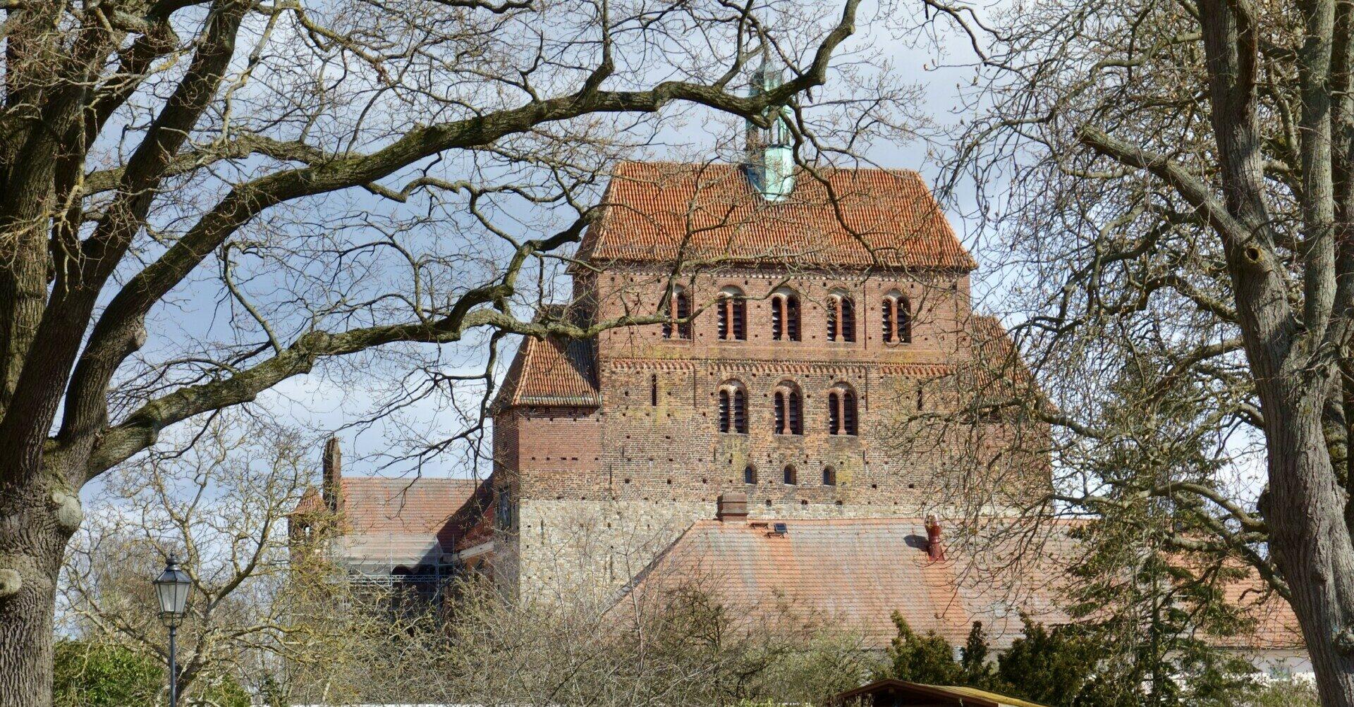 Havelberger Dom vom Prälatenweg