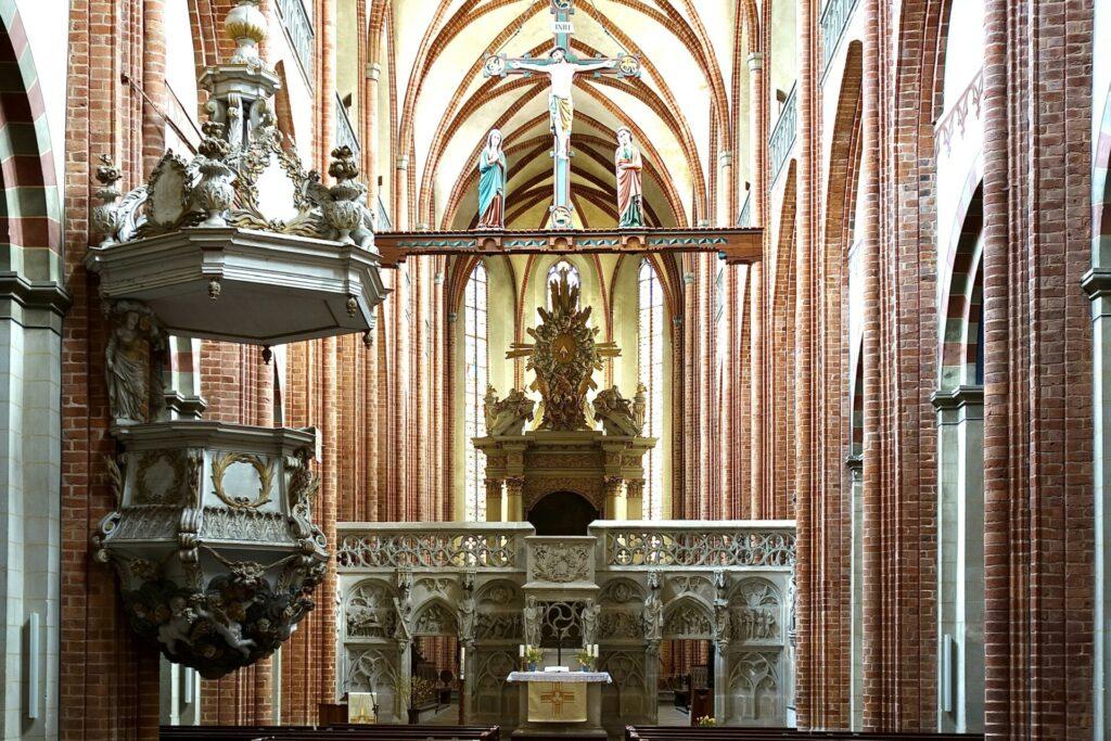Dom St. Marien zu Havelberg. Von Kontemplation, Koch und Kellermeister.